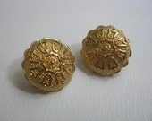 Gold tone scalloped clip on clip back earrings with tulip design