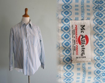 Vintage 1970s Mens Shirt - Mens Long Sleeve Button Down Shirt with Great Aqua Stripe - 70s Blue Striped Shirt M L