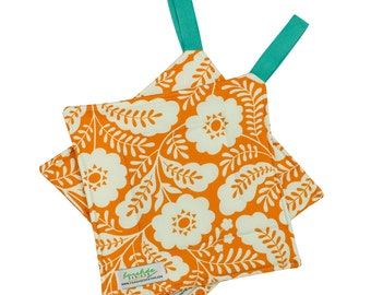 Quilted Trivet | Insulated Pot Holder | Square Hot Pad | Hanging Hotpad | Thermal Hot Pad | Matching Apron | Orange Floral | PH0008