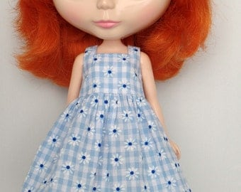 Simple dress for Blythe - Daisies
