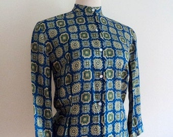 Vintage 1950's Ladies Blouse // Half Sleeve Silk Blend Dress Shirt // Blue Mosaic Floral Print Ladies Blouse // High Neck Button Up