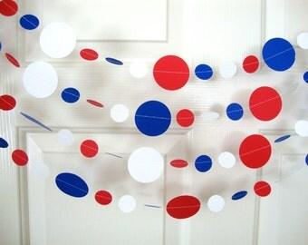 Patriotic holiday garland