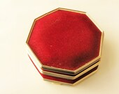 Velvet trinket box: Exquisite vintage art deco style red velvet covered octagonal trinket or jewelry box with gold tone brass frame
