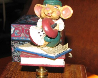 Happy mouse finial