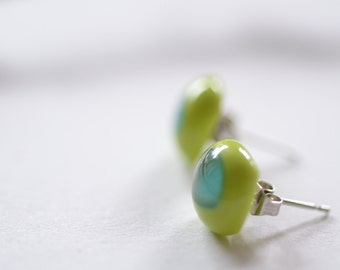 Free Shipping - 925 Sterling Silver Spring green acquamarin glass stud earrings, glass posts, spring summer jewellery