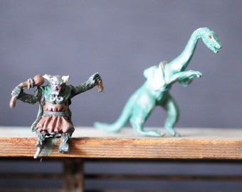 dungeons and dragons miniature, Elan and dino-dragon, 1978