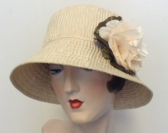 Sample Sale! La Boheme hat in cream crincle with detachable flower, wedding, sun hat, travel hat.