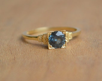 Edwardian Ring in 14 K Yellow Gold with Tunduru Spinel