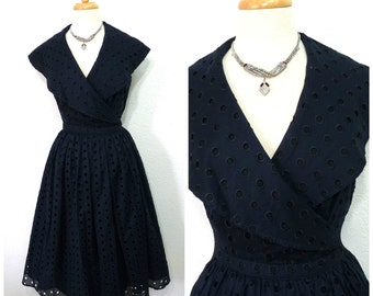 Vintage 50s dress // Navy blue cotton eyelet dress // pleated full skirt // Wrap dress Victor Costa - S/M