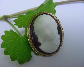 ON SALE....Vintage High Relief Cameo Lady Bisque Porcelain Pin Brooch
