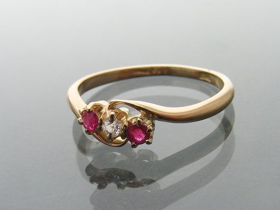 Antique Engagement Ring | Diamond and Ruby Ring | 18ct Gold Trilogy Ring | Antique Jewelry US Ring Size 5.75, UK Ring Size L1/2