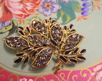 Pretty diamante detailed vintage floral brooch