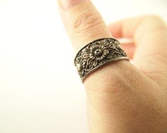 Flower Ring - Sterling Silver - Vintage