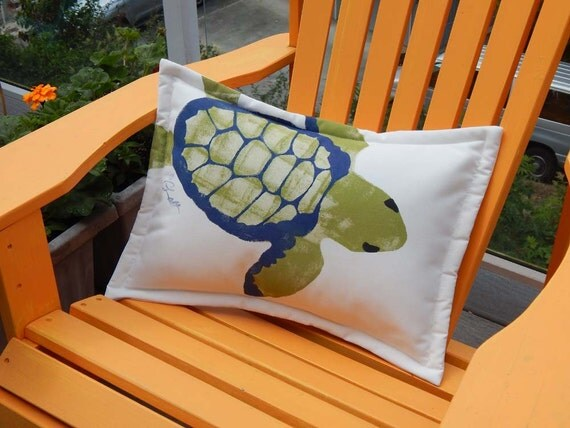 """GREEN SEA TURTLE outdoor pillow 15""""x20"""" lumbar ocean beach coastal tortoise deck patio indoor outdoor garden Crabby Chris Original"""