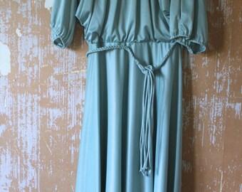 vintage.  70s Mint Green Jersey Dress  // Grecian Goddess // S to M