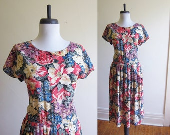 Vintage 1990s Dress / FLORAL Rayon Lace-Up Midi Dress / Size Medium or Large