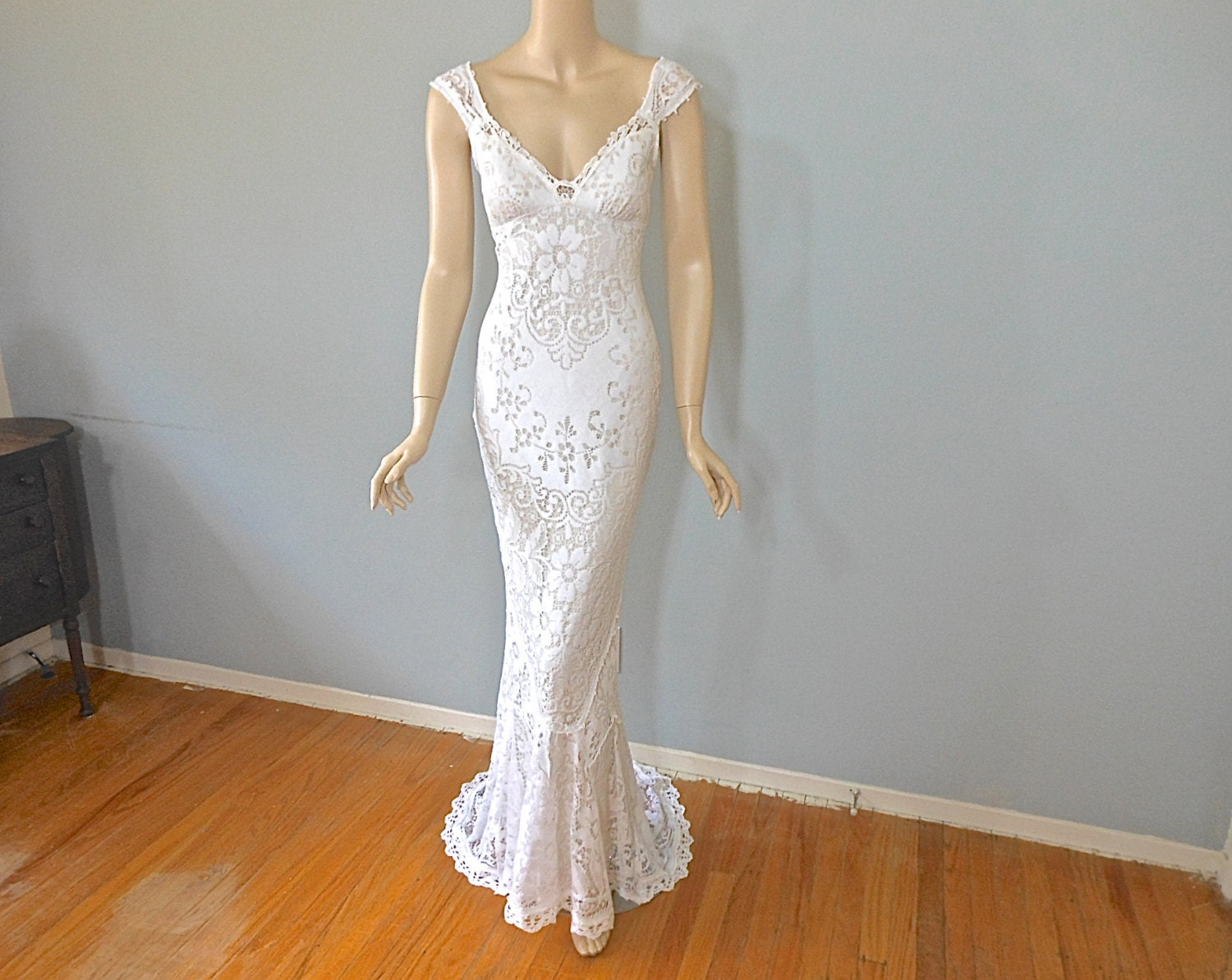 White lace wedding gown bohemian mermaid wedding dress vintage for Bohemian mermaid wedding dress
