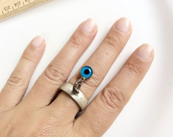 Sterling silver large eye ring creepy unusual blue eye ring 9-1/2 size