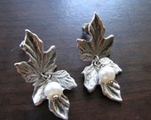 Stud earrings silver | leaf dangle | pearl | woodland