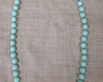"""Vintage unmarked Napier 31"""" necklace / mint green beads"""