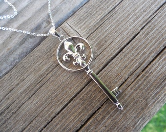 Key necklace with a fleur de lis handmade in sterling silver
