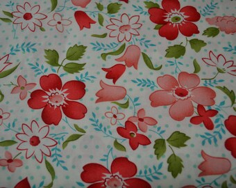 Moda Bonnie and Camille VINTAGE MODERN Cream Floral Fat Quarter