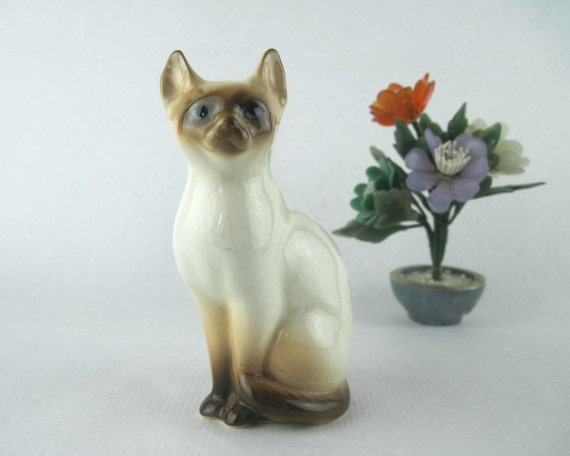 vintage ceramic SIAMESE CAT figurine brown seal point made