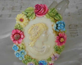 1930's Hand Painted Celluloid Cameo Pin
