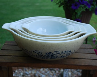 Vintage Four Bowl Set of Blue Homestead Pyrex Ovenware Stacking Batter Bowls, Mint, Unused, Perfect.