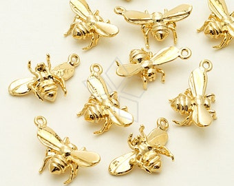 PD-1011-GD / 2 Pcs - Tiny Honey Bee Charm Pendant, 16K Gold Plated over Brass / 11mm x 16mm
