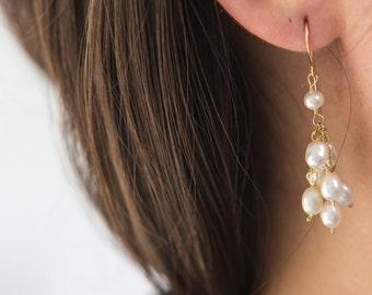 Gold Freshwater Pearls Dangle Earrings, Gold Cluster of Pearls Earrings, Gold Freshwater Pearls Chain Earrings, Everyday Earrings