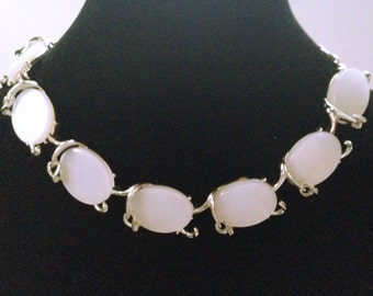 White Lucite Necklace, Vintage Jewelry, Moonglow Cabochons, White Thermoset Choker, Vintage Necklace, 60s Necklace, White Moon Glow Choker