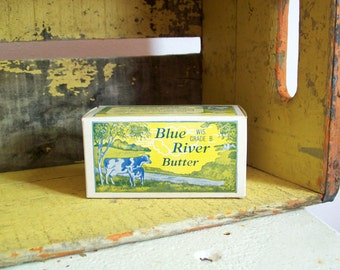 Vintage butter box waxed cardboard cows Blue River Butter one pound Borden Foods Wisconsin WI excellent condition free shipping to USA
