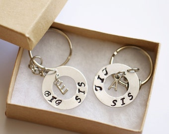 Sister Gift Keychain, Personalized Gifts for Sister, Initial Big Sister gift, Little Sister gift, 2 Sister Key Chains, Best Friend Keychain