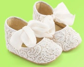 Baby Shoes, Baby Moccasins, Baby Girl Shoes, Baby Birthday Shoes, White Baby Shoes,,Christening shoes with silk and lace by Vibys