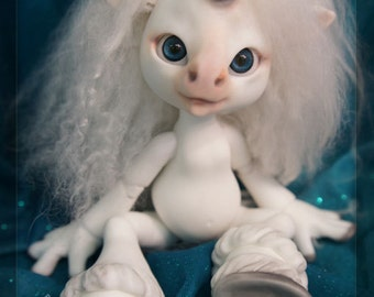 Magic the Unicorn - white resin -BLUSHED (with wig & tail) - ball joint doll / BJD