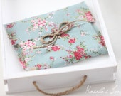 CD packaging set of 10 floral print linen envelopes in pink and red floral bouquet