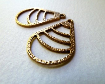Vintage Brass Earring Components - Curved Triangles  -  32x22mm - Deco Nouveau Style - Qty 2 pcs, one pair (vb12)