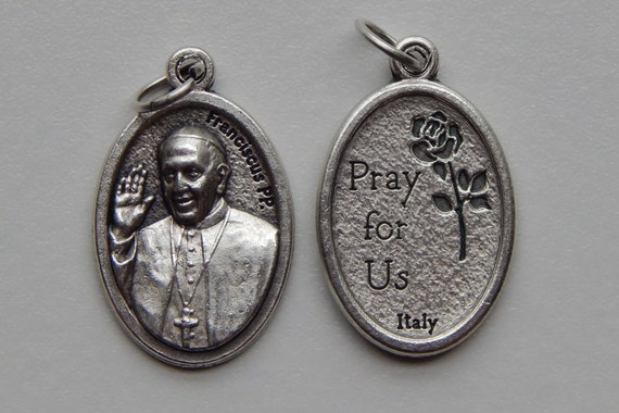 5 Patron Saint Medal Findings, Pope Francis, Franciscus, Pray, Die Cast Silverplate, Silver Color Oxidized Metal, Made in Italy, RM407