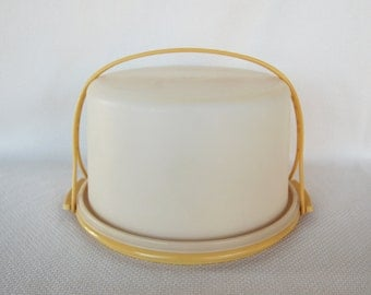 Vintage Tupperware Cake Taker Harvest Gold Base and Handle in Very Good Condition