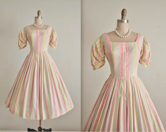50's Striped Dress // Vintage 1950's Striped Pastel Cotton Full Summer Dress XS