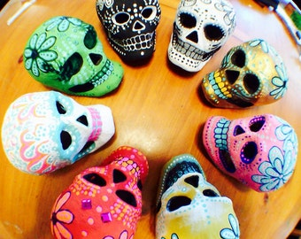 1 Customizable Dia de los Muertos (Day of the Dead) paper mache skull