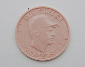 Vintage, mid-century, 1959 baseball Armour Hot Dog Premium Coin. Bob Turley dark PINK