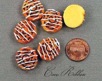 20mm 12 Pieces Miniature Fake Icing Cinnamon Buns FLAT BACK RESINS Cabochons (A25)