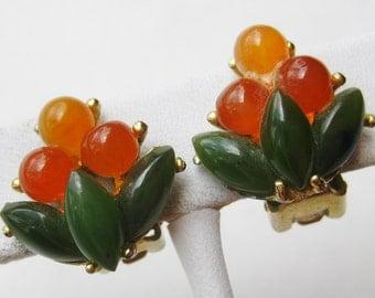 Vintage Swoboda Chinese Jade & Carnelian Gold Clip On Earrings