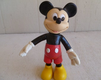 Disney Collectible Vinyl Mickey Mouse Poseable Figurine