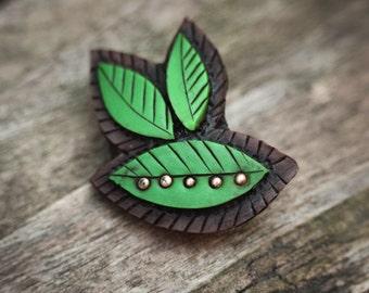 Green Leaf Brooch by Mandarin Duck Organic style