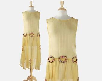 Vintage 20s SILK Crepe DRESS / 1920s Pale Yellow Metallic Lace & Silk Rosettes Dress