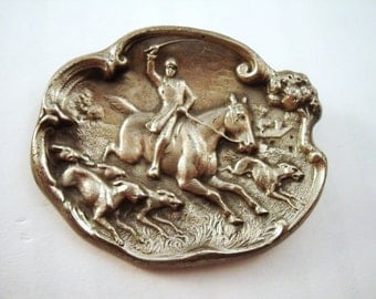Horse and hounds brooch, fox hunting