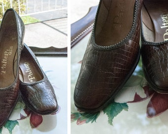 1950s - deep brown reptile print  pumps - size 6 .5 aa